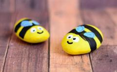 Cute bees. Toys from stones :)